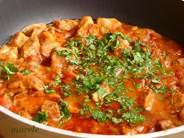 Рецепт свинина в томатном соусе