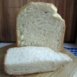 простой хлеб, испеченный в хлебопечке