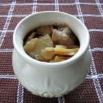 Мясо в горшочках с грибами и картофелем