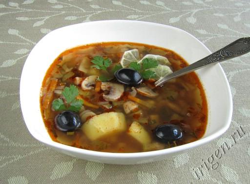 суп солянка грибная с капустой