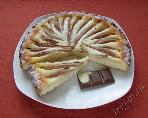фотография грушевого пирога с заливкой