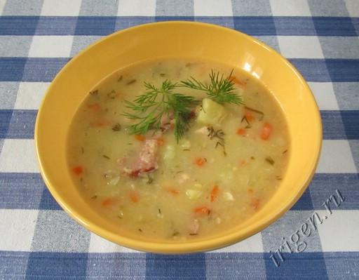 фотография горохового супа в мультиварке