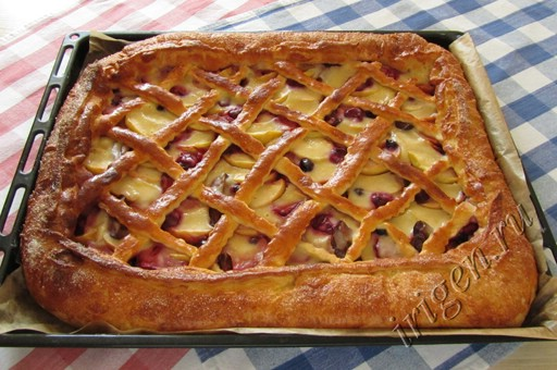 Пирог со сладкой начинкой