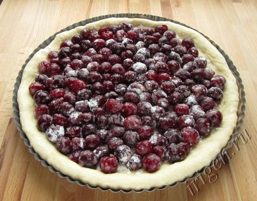фото пирог с вишней 2