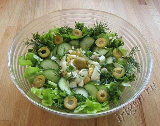 салат зеленый с листовым салатом фото