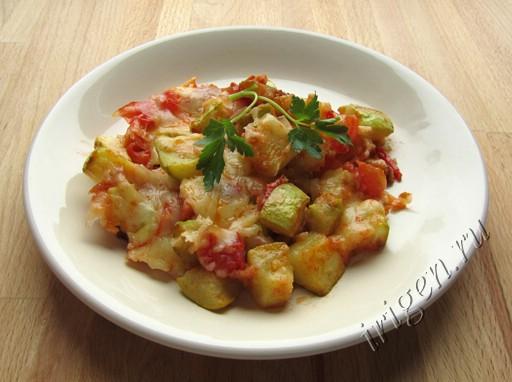 гарнир из кабачков с помидорами и сыром фото