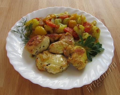 куриная грудка с овощами и карри фото