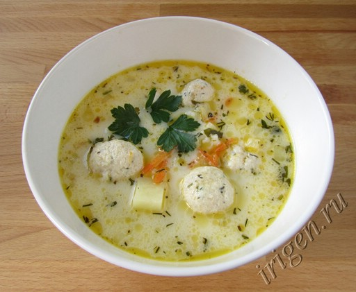 Суп с рыбными фрикадельками и сыром рецепт