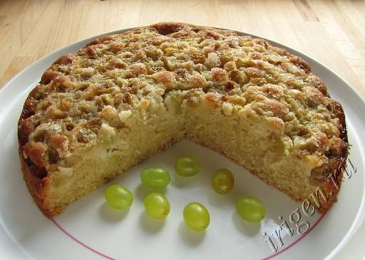 сладкий пирог с виноградом фото