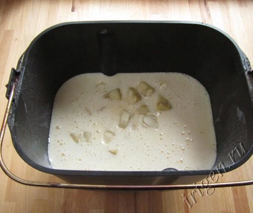 замешивание теста в хлебопечке фото