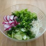 салат овощной с листовым салатом фото