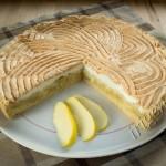 Яблочный пирог с белковым суфле фото