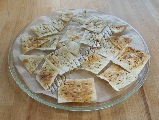 чипсы с маслом и травами