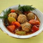 фрикадельки в овощном соусе-гарнире