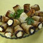баклажанные рулетики с сырным салатом