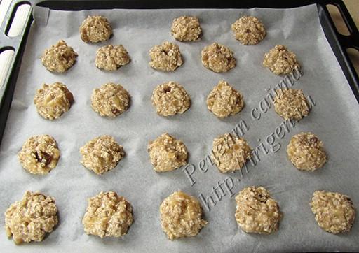 печенье на противне перед выпечкой