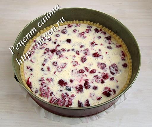 пирог с заливкой перед выпечкой