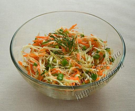 салат из капусты с морковью и сельдереем