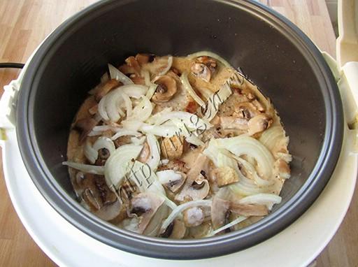 приготовление свиных отбивных с грибами