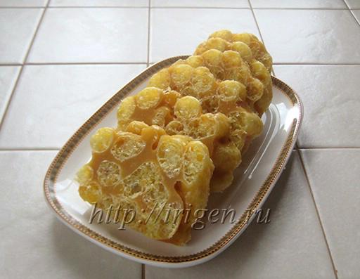 сладкая колбаска из ириса с кукурузными палочками