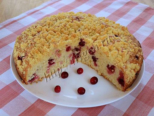 пирог на сметане с ягодами и штрейзелем