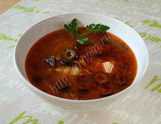 суп томатный с маслинами