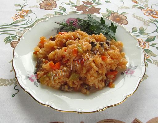 рис с овощами и грибами в мультиварке