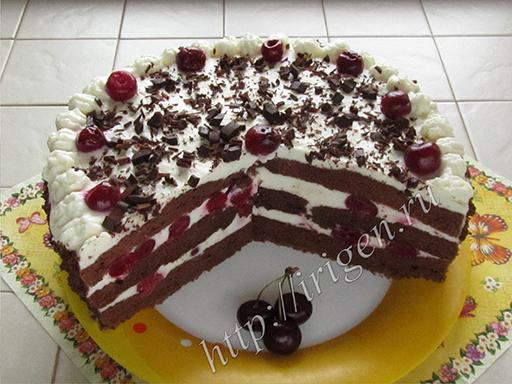 торт бисквитный с вишней