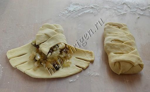 завертывание пирожков-косичек