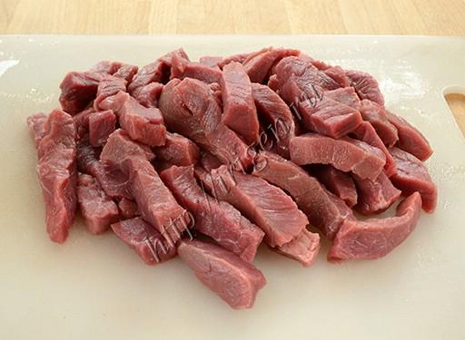 подготовка мяса для азу