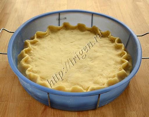 яблочный пирог перед выпечкой