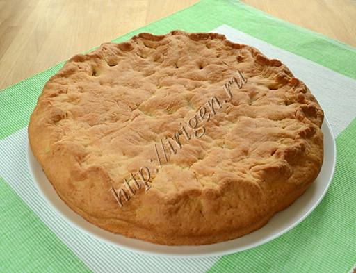 пирог с яблочно-медовой начинкой после выпечки