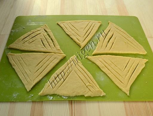 треугольники из теста