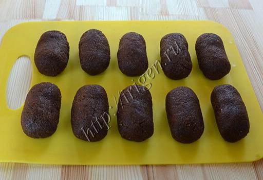 пирожные картошка перед украшением