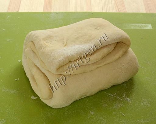 сложенное тесто