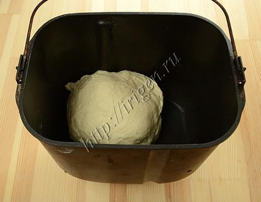 замешивание теста в хлебопечке