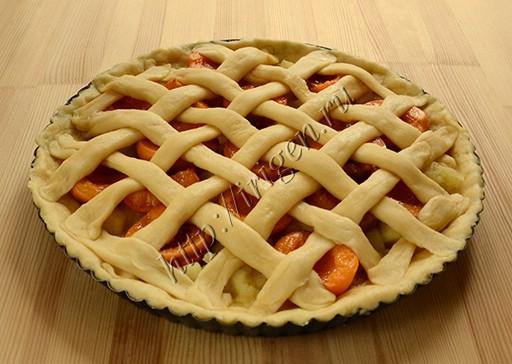 пирог с решеткой