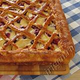 Сладкий пирог с фруктами