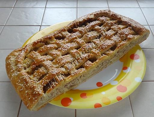 мясной пирог из сметанного теста