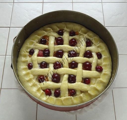 пирог перед выпечкой