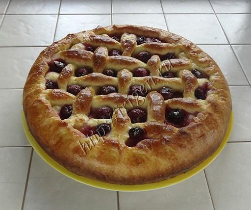 пирог фруктово-ягодный после выпечки