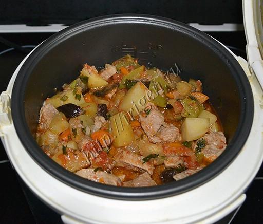 овощное рагу со свининой в мультиварке