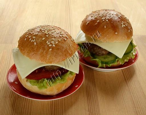 гамбургеры с булочками на йогурте