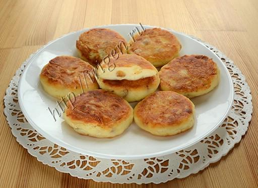 сырники из  обезжиренного творога с творожным сыром и изюмом