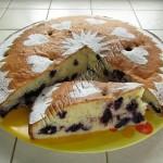 пирог с черникой из воздушного теста