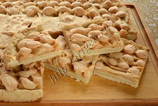 пирог песочный с яблоками и безе