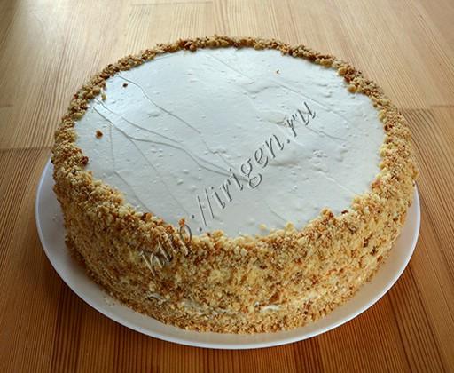 торт перед украшением