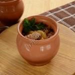 индейка с овощами в горшочках