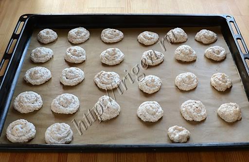 белковое печенье перед выпечкой