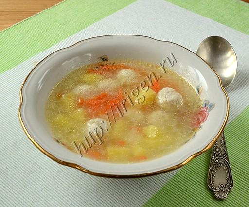 суп с куриными фрикадельками и манкой